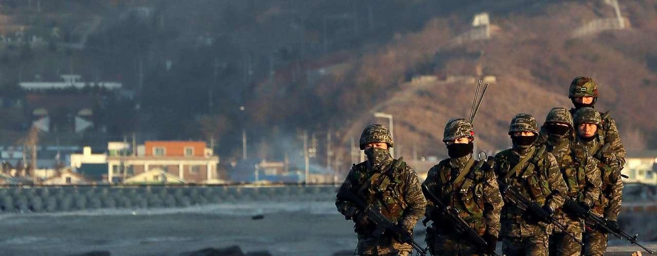 7 de marzo de 2013 - El Consejo de Seguridad aprueba nuevas sanciones económicas y comerciales contra el país comunista por su última prueba nuclear de febrero. Mientras, Corea del Norte amenaza a Estados Unidos con \