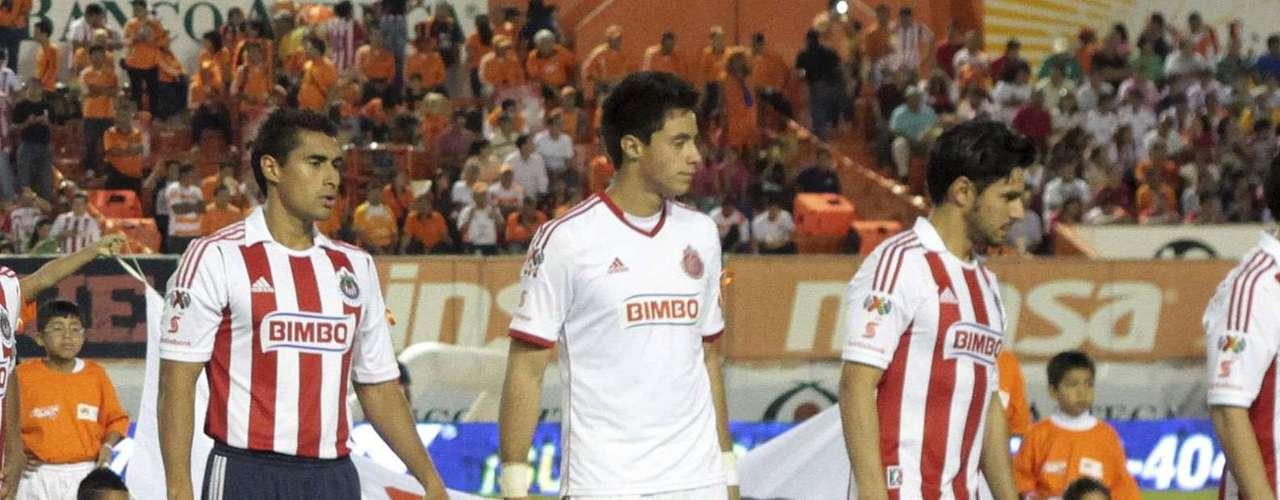 En la derrota de Chivas ante Jaguares, al minuto 8 Luis Gabriel Rey se metió al área por el vértice derecho y disparó un zurdazo que desvió Kristian Álvarez; el balón se elevó, hizo una parábola y Antonio Rodríguez metió la pelota a la portería en su afán por desviarla, para ingresar por primera vez al Tronco de la semana, en un partido para el olvido en el que tuvo que ver en los tres goles que recibió el Rebaño.