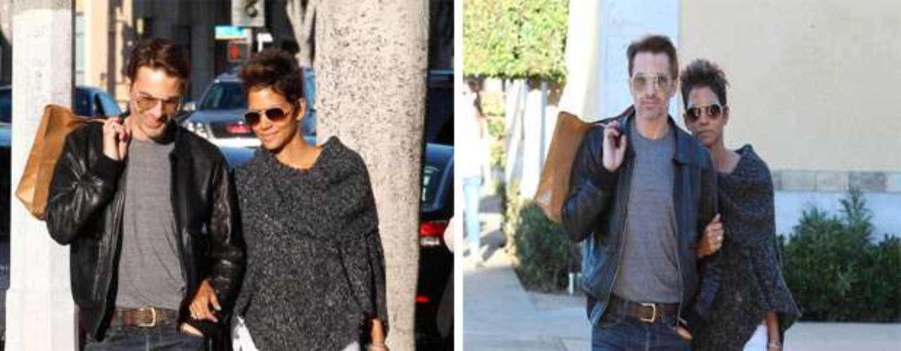 Halle Berry, tiene una relación hace algunos años con el actor francés Olivier Martinez, con quien había anunciado su compromiso en enero de 2011.