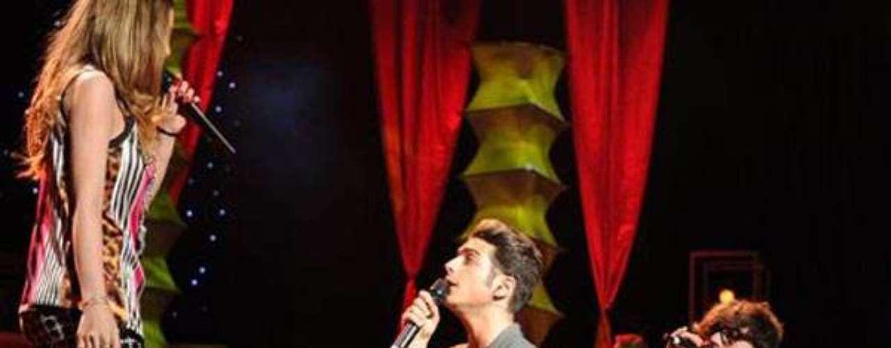 La presentación que hizo a los integrantes de Il Volo arrodillarse ante la cantante mexicana,forma parte de un especial que se transmitirá en partes. El primercapítulo será titulado \