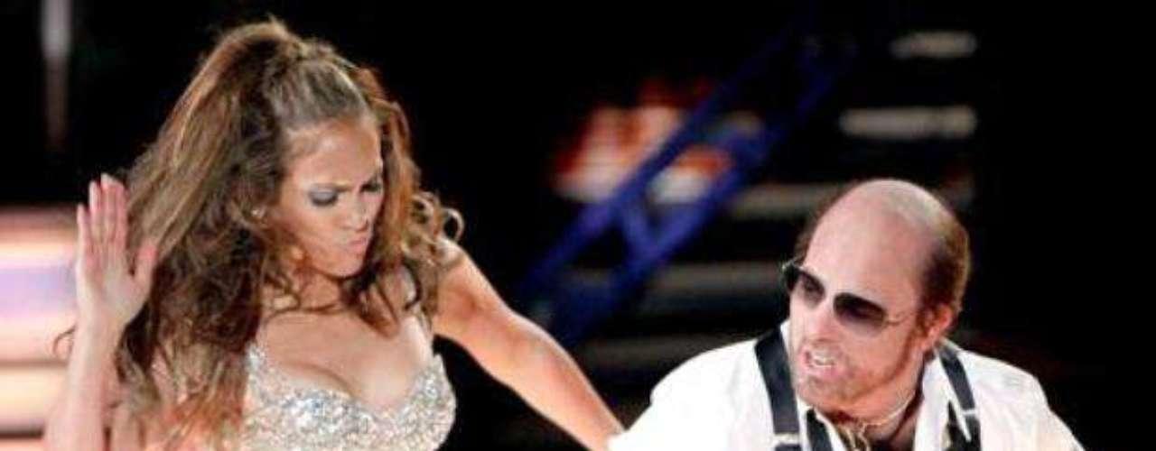 Jennifer López dejó huella en los MTV MovieAwards 2010, al bailar y darle nalgadas a Tom Cruice, quien se disfrazó comoel productor grotesco que encarnóenla comedia \