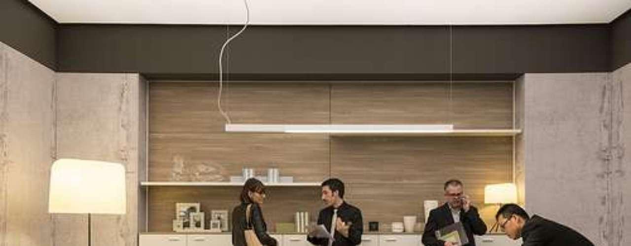 En el Salone Ufficio se destaca la estrecha relación entre la iluminación y el espacio de trabajo.