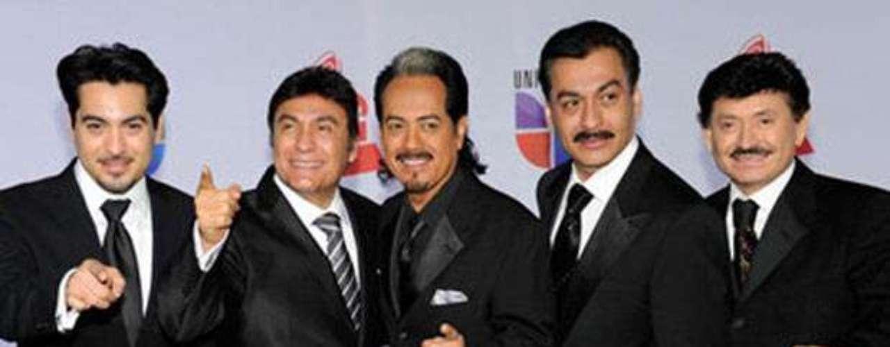 Los Tigres del Norte recibirán un merecido homenaje por sus 45 años de trayectoria artística, por ser considerados los máximos exponentes de la música regional mexicana y por ser los más prominentes representantes del género del corrido, dentro del XV Concurso y Congreso Internacional de Diseño de Modas \