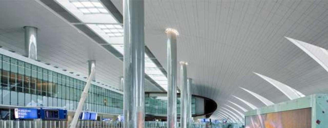 Te presentamos la Terminal 3 del Aeropuerto de Dubái, cuyo diseño es realmente llamativo.