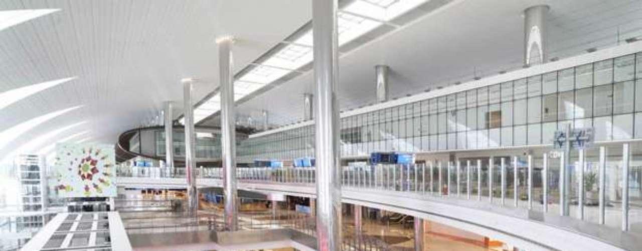 Si se compara abril de 2012 con igual mes de este año, la estación sumó 757 mil asientos para los viajeros.