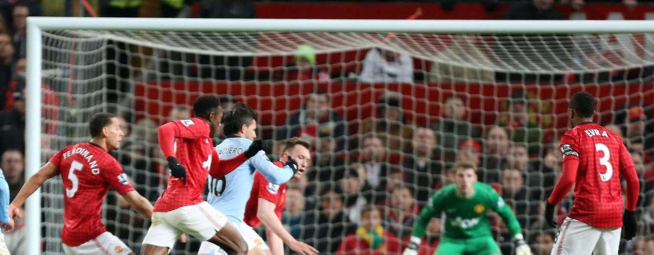 En síntesis, el 'Kun' Agüero demostró que sólo un gran futbolista puede anotar el gol de la victoria de su equipo y jugar bien al pool en una sola semana.