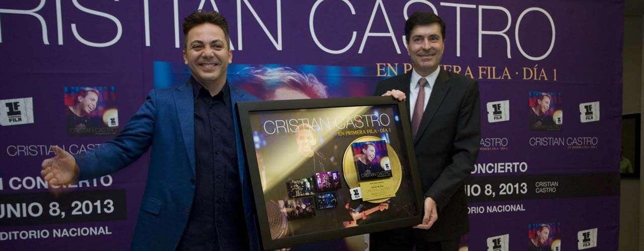 En la conferencia, Cristian Castro, bromeó y señaló que le gustaría ser actor porno.