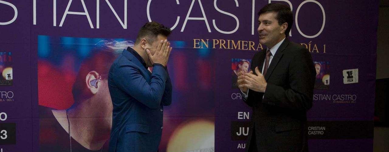 También comentó que compartió el estudio con la Sonora Santanera y el tema que grabó provocará que el público termina con la piel chinita.