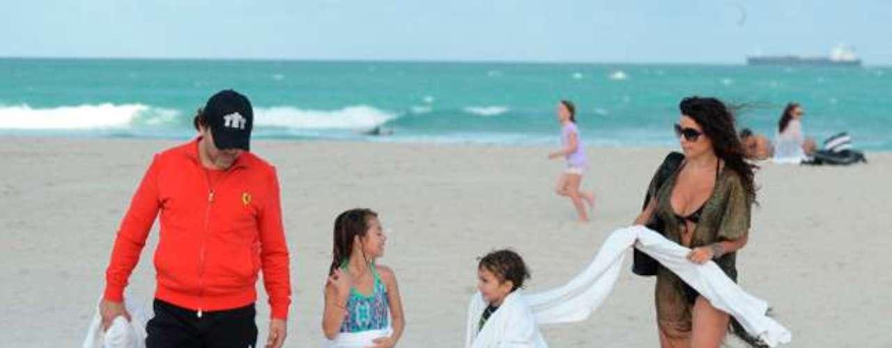 Ahora nos agarraron en la playa\