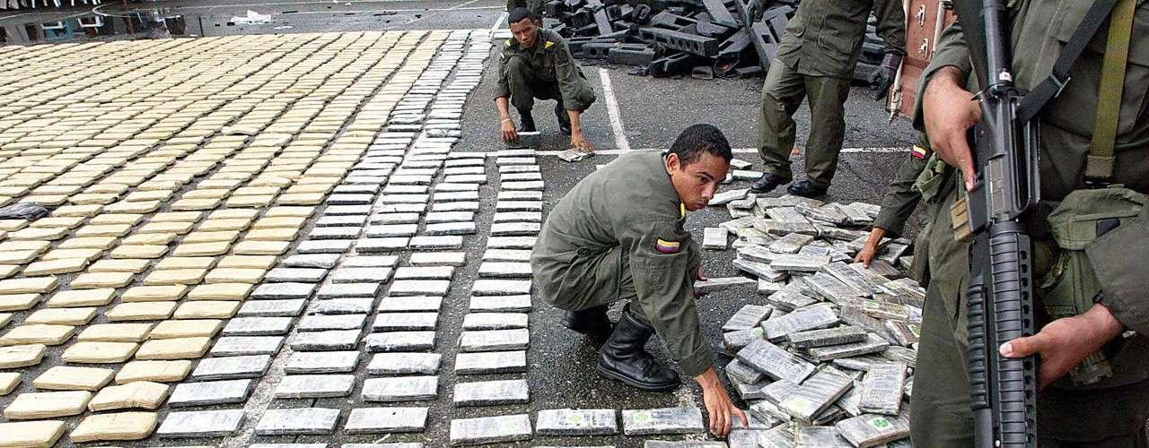 La Oficina Europea de Policía (Europol) advirtió hoy de que grupos criminales mexicanos están tratando de establecerse como actores clave en el mercado europeo de las drogas y están involucrados en casos de tráfico de armas y de seres humanos en el continente.