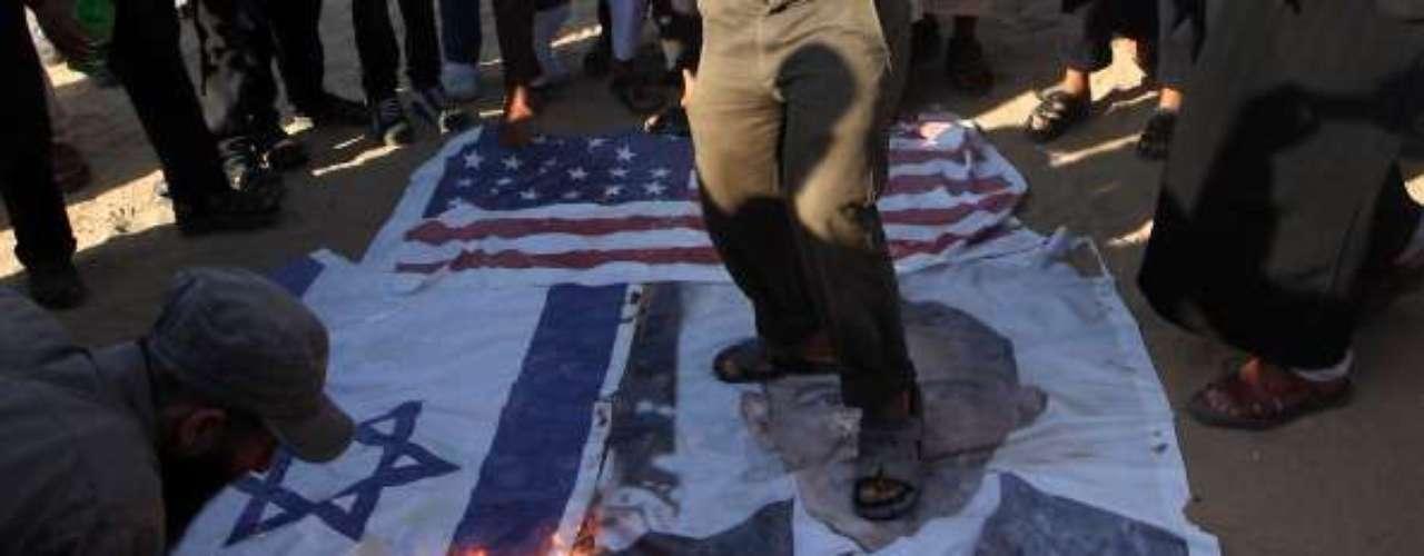 2.- Palestina.- Desaprueban de liderazgo estadounidense: 77% / PIB per cápita: NO / Esperanza de vida: NO. Los palestinos durante mucho tiempo han sostenido hostilidad hacia los americanos, debido a la relación diplomática de los Estados Unidos con Israel. A finales de 2012, las Naciones Unidas pasaron una resolución que reconoce Palestina como un estado observador y no miembro.