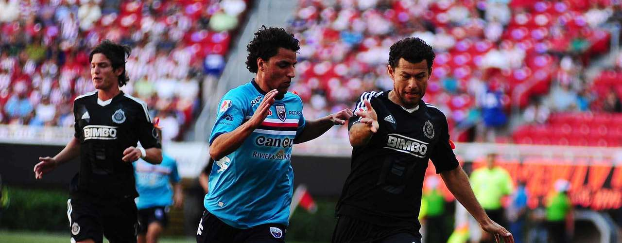 Miguel Sabah demostró que no anda en ritmo futbolístico.