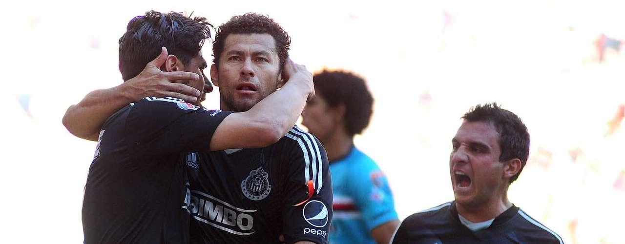 La felicidad de las Chivas negras era patente tras haberse puesto 1-0 al frente.