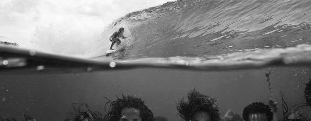 La página web http://twistedsifter.com/ publicó su selección de las 50 fotos que circulan en internet que se han tomado en el momento más oportuno, imágenes que han sido captadas en diferentes partes del mundo y resultan curiosas.
