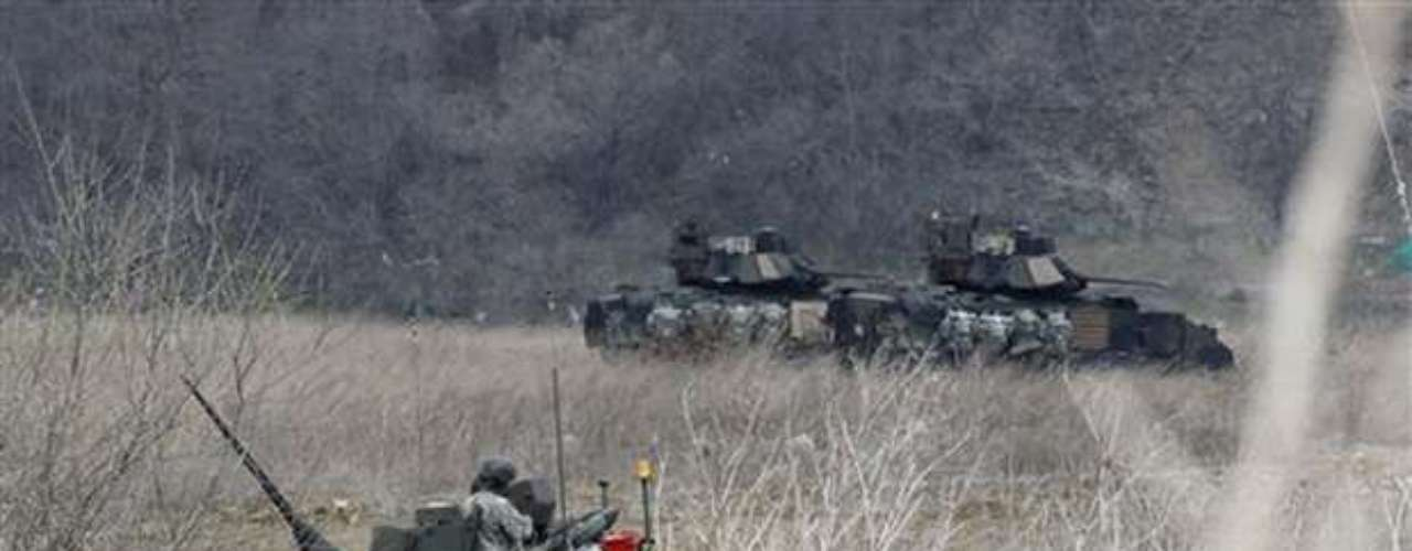 EE.UU. mantiene unos 28.500 efectivos en Corea del Sur y se compromete a defender a este país ante un hipotético ataque del militarizado régimen comunista de Corea del Norte.Fuente: EFE