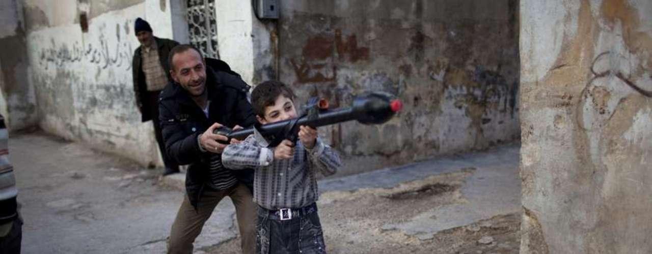 El fotógrafo argentino Rodrigo Abd, ganó el premio Pulitzer luego de su trabajo cubriendo la guerra civil de Siria para la agencia de noticias AP junto a otros colegas. Acá, te mostramos algunos trabajos de él