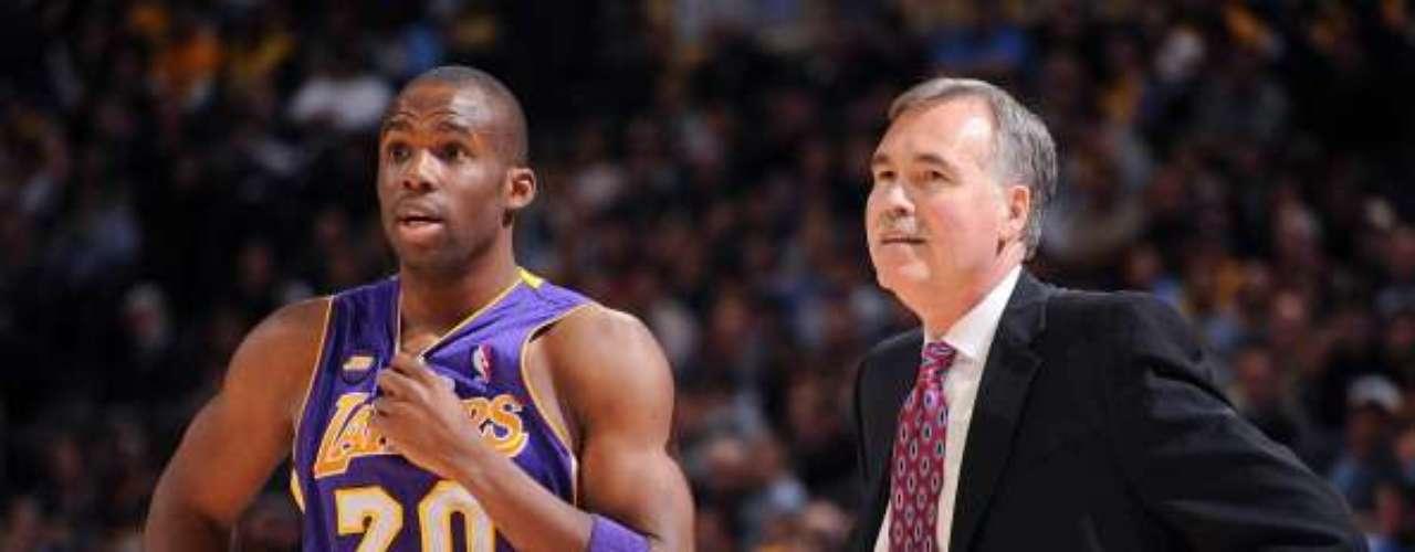 Jodie Meeks debe dar un paso al frente con la lesión de Kobe Bryant