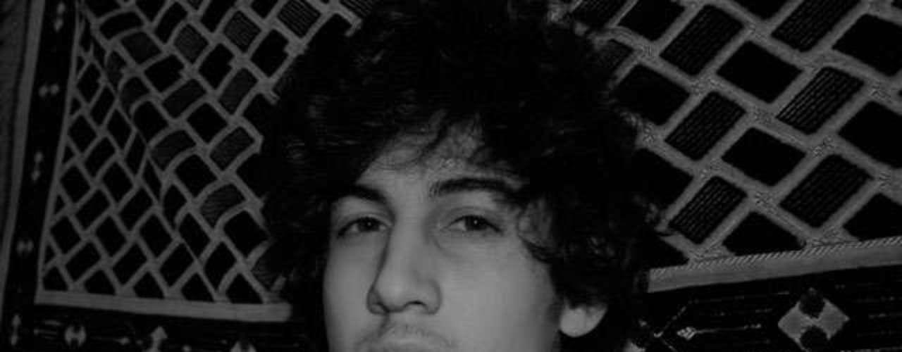 Dzhokhar Tsarnaev, de 19 años, es el hombre más buscado de EEUU. El joven, de origen checheno, es uno de los dos sospechosos del atentado de Boston que acabó con la vida de tres personas.