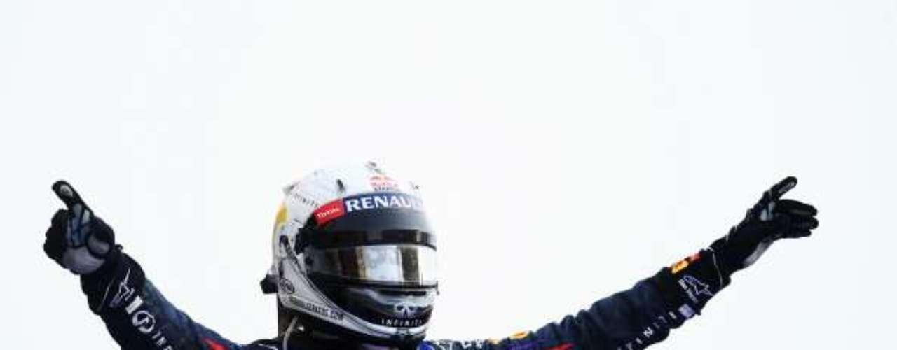 Imágenes de la carrera del Gran Premio de Bahréin 2013