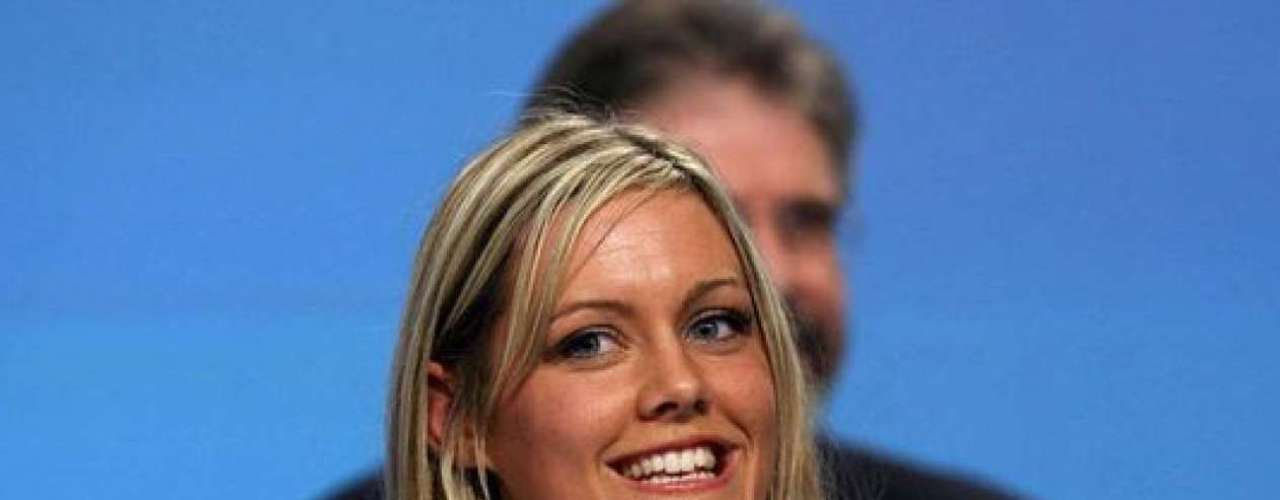 Toireasa Ferrisfue la mujer más joven en convertirse en alcalde de un condado en Irlanda. Es hija del reconocido político del partido separatista, Sinn Fein.