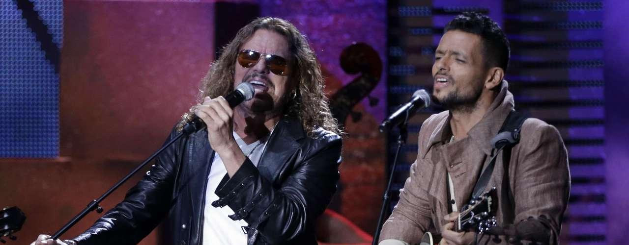 Maná y RobiDraco Rosa compartieron un momento emotivo al entonar 'Penélope'. Definitivamente el mundo de la música está feliz de tener a Draco de vuelta después de sufrir una fuerte batalla contra el cáncer.
