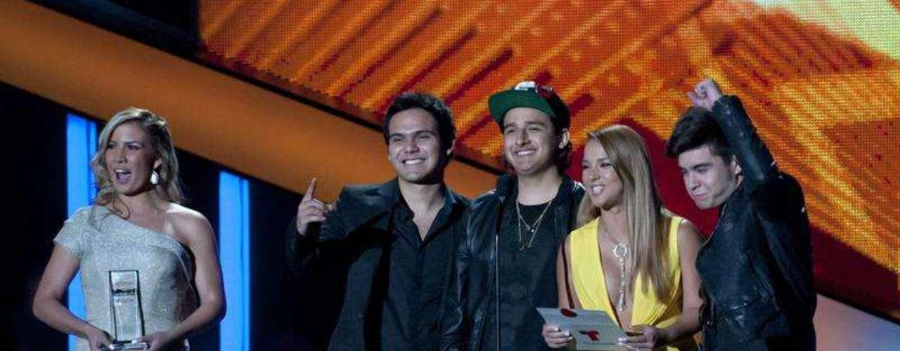3Ball MTY se llevó a casa dos galardones, entre ellos Mejor Nuevo Artista del Año.