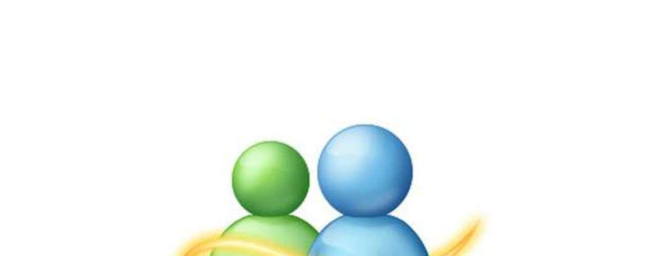 Diez años después del lanzamiento del Messenger, la desarrolladora afirmó que había más de 330 millones de usuarios en todo el mundo - lo que no impidió la decisión, en noviembre de 2012, de interrumpir el servicio y migrar sus usuarios a Skype, producto de voz sobre IP (VoIP) adquirido por Redmond el año anterior
