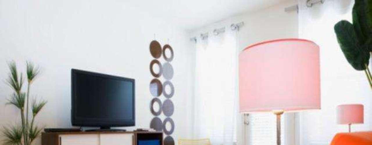 ¿Estas cansada de ver tu casa igual? Remodelar el aspecto de una habitación, salón, es sólo cuestión de inspirarte con un poco de ingenio y creatividad para hacer realidad los ambientes de tus sueños. ¡Aquí vas a encontrar unos sencillos tips para lograrlo!