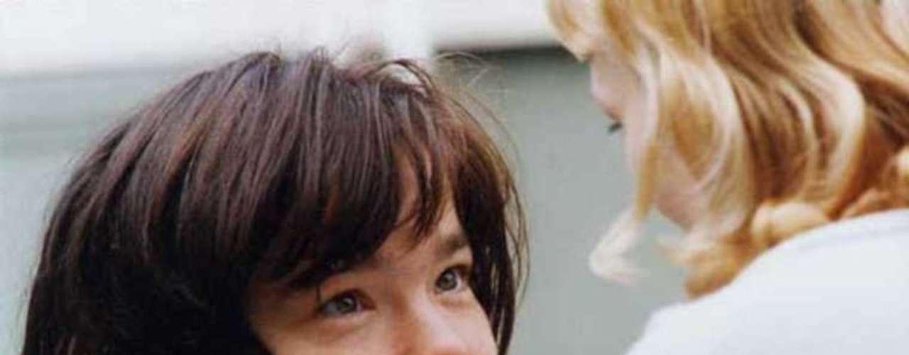 Más que una película, 'Bailar en la oscuridad' (2000) de Lars Von Trier es una experiencia emocional que deja al espectador exhausto a través de las peripecias de Selma (Björk), una inmigrante checa en Estados Unidos que hará lo imposible por evitar que su hijo sufra la misma enfermedad que ella. La cinta logró la Palma de Oro en Cannes y el premio a la Mejor Actriz.