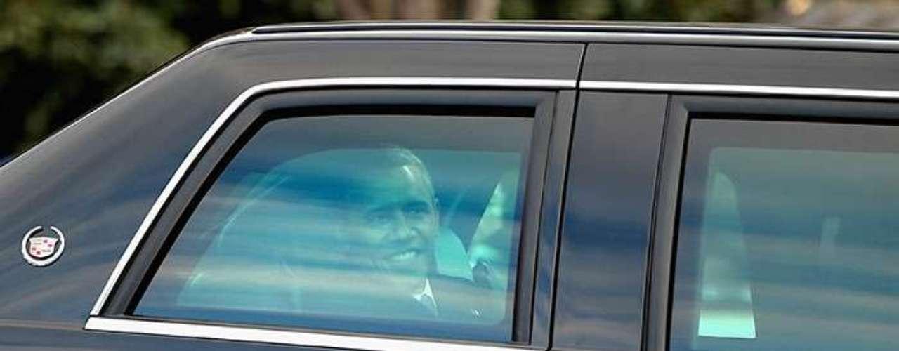 Para aumentar la seguridad, en La Bestia sólo la ventanilla del conductor se puede bajar, pero apenas ocho centímetros.