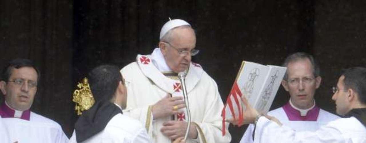 Fue la primera vez que el pontífice argentino se pronunció sobre las miles de denuncias en todo el mundo contra curas pederastas y que afectaron gravemente en el último decenio el prestigio de la milenaria institución.
