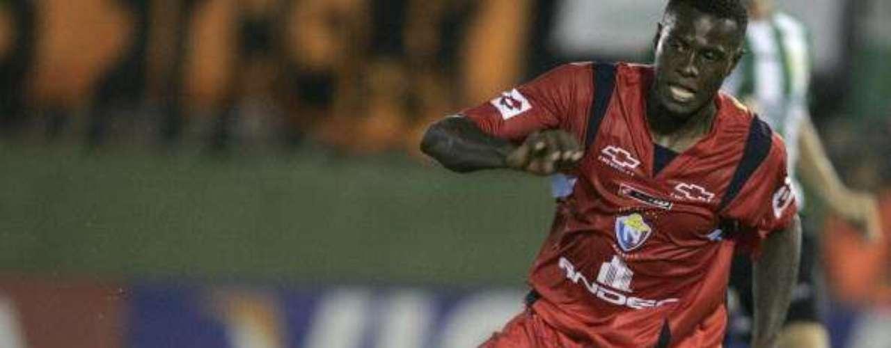 El 'Chucho' Benítez participó dos veces en Copa Libertadores con El Nacional de Ecuador, en el 2002 y en el 2006.