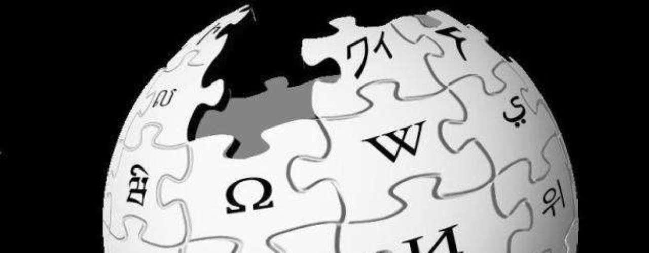 2001. Se funda Wikipedia, la enciclopedia libre y políglota que cuenta en la actualidad con 282 millones de artículos y es el sexto sitio web más visitado a nivel global, según Alexa.com