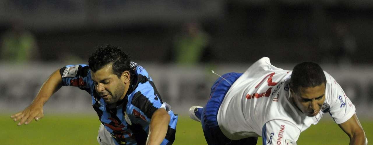 Hubo fallas de ambos equipos que al final terminaron por persar en el ánimo de los dos.