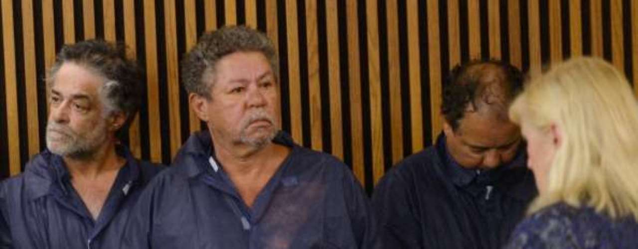 Pedro y Onil Castro, fueron detenidos por la policía junto al presunto violador pero posteriormente quedaron en libertad al no tener vínculos con el secuestro y violación de Amanda Berry, Gina DeJesús y Michelle Knight.