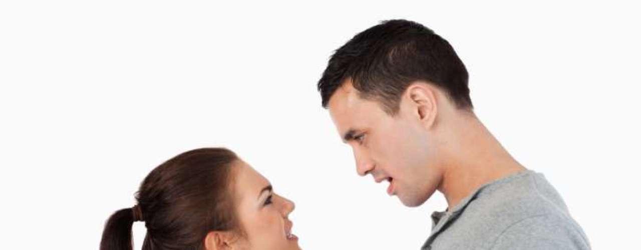 5. Ser necia. Aferrarte a una idea o algo que ya pasó agota cualquier noviazgo. Si algo pasó y crees que debes perdonarlo, hazlo y ya; no te aferres al pasado. Y si no platícalo, pero no te quedes estancada en viejas discusiones o problemas.