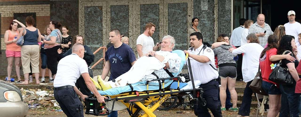 Asimismo, las autoridades del estado convocaron a la Guardia Nacional para ayudar en los esfuerzos de rescate.