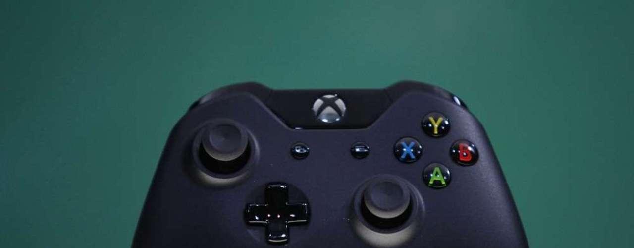 Así es el mando de la consola Xbox One presentada este martes