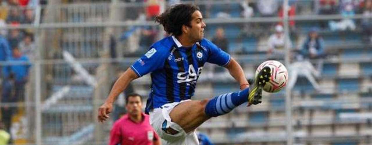 CLAUDIO MUÑOZ: El posible arribo del DT Jorge Pellicer a Colo Colo abre la opción para que el zaguero arribe a reforzar la defensa del conjunto de Macul.