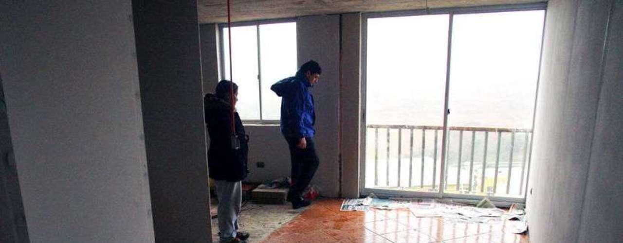 Departamentos del conjunto habitacional El Mirador del Pacífico de Talcahuano se vieron afectados por el temporal que afecta desde este lunes a la zona centro sur del país. El conjunto había sido inaugurado hace 12 días por el Presidente de la República, Sebastián Piñera