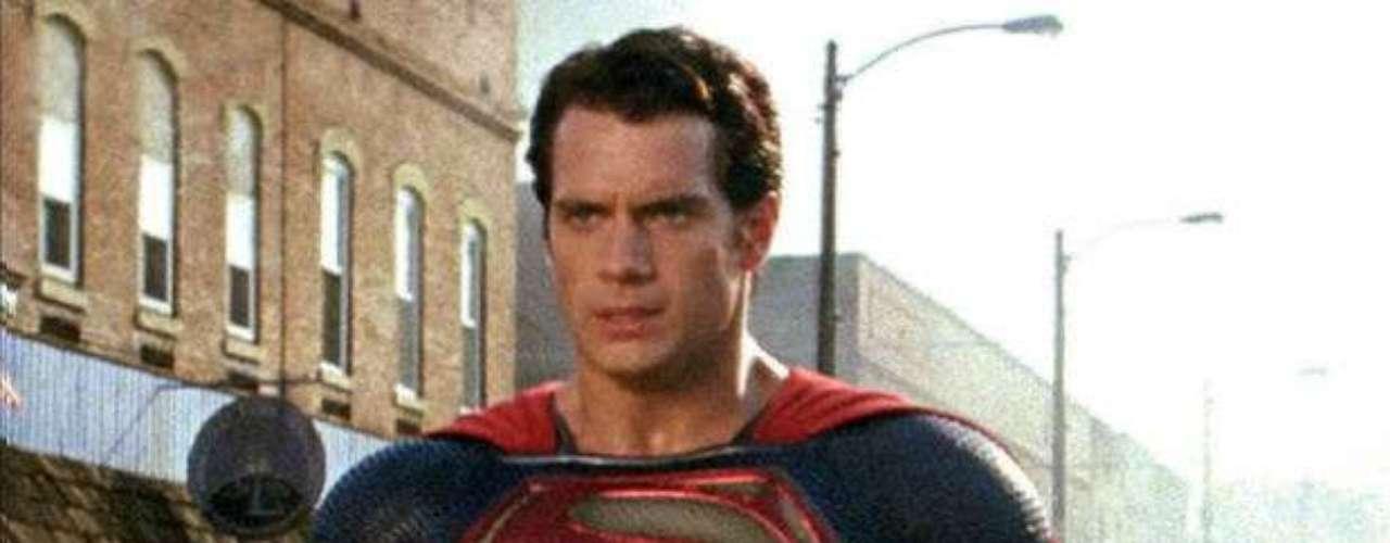 Henry Cavill. Aunque aún no se estrena la cinta donde Cavill da vida a Clark Kent, Man of Steel, con el estreno de los primeros tráilers ya se ha generado una gran expectativa. Y es que la dirección de Zack Snyder (Watchmen) y la producción y el guión de Christopher Nolan (Trilogía de The Dark Knight), son unos importantes avales para esta película que llegará en tan solo unas semanas.