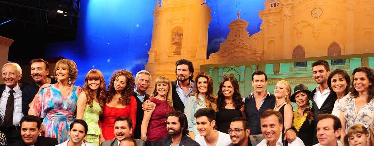 Con amigos y colegas, el elenco de 'Mentir para Vivir' presentó ante los medios mexicanos la historia que llegará a la pantalla mexicana a partir del lunes 3 de junio.