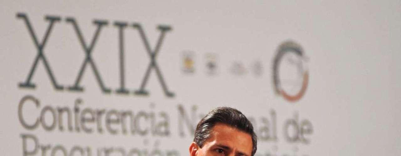Peña Nieto aún no creado la anunciada Gendarmería Nacional que asumirá la seguridad en carreteras, fronteras y zonas difíciles.