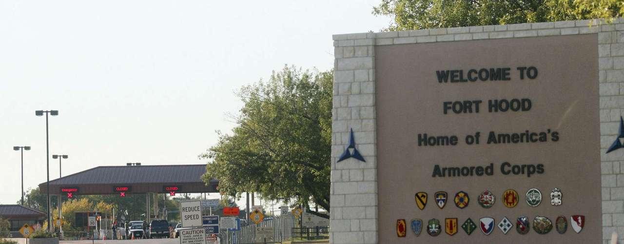 Hasan había llegado a la base en julio de ese mismo año (2009) y trabajó en Darnall, uno de los centros médicos de Fort Hood, tras haberlo hecho en el Hospital Militar Walter Reed, en Washington, publicó El Mundo.