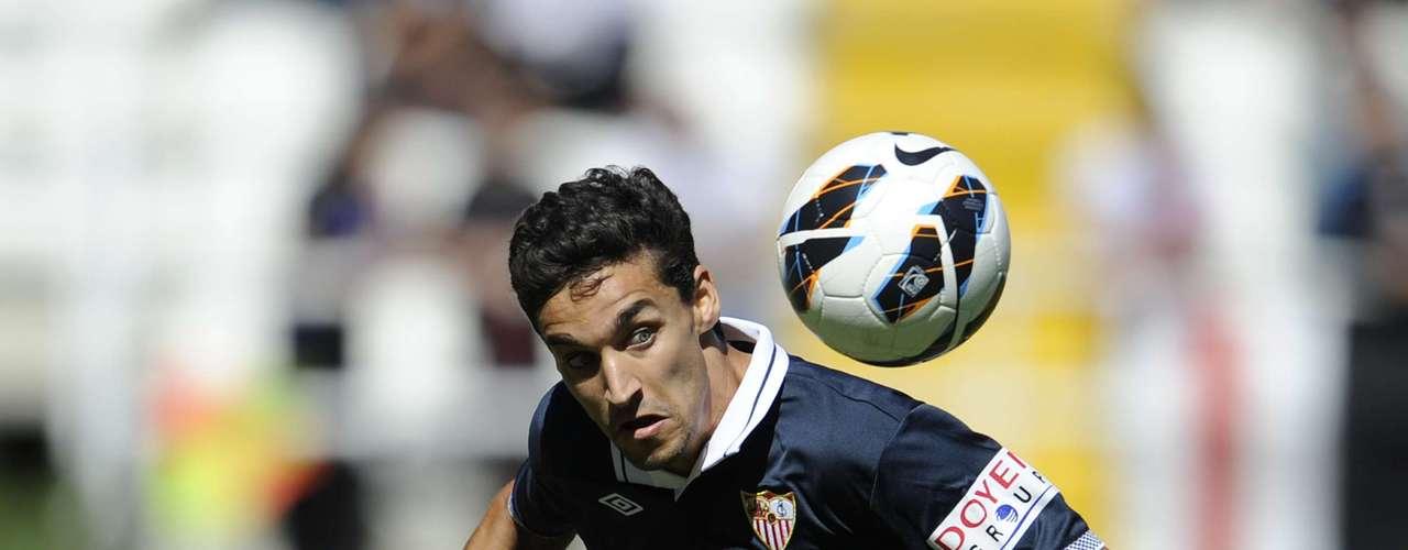 El Manchester City confirmó el fichaje del mediocampista español Jesús Navas, en una transacción valorada en poco más de 26 millones de dólares.