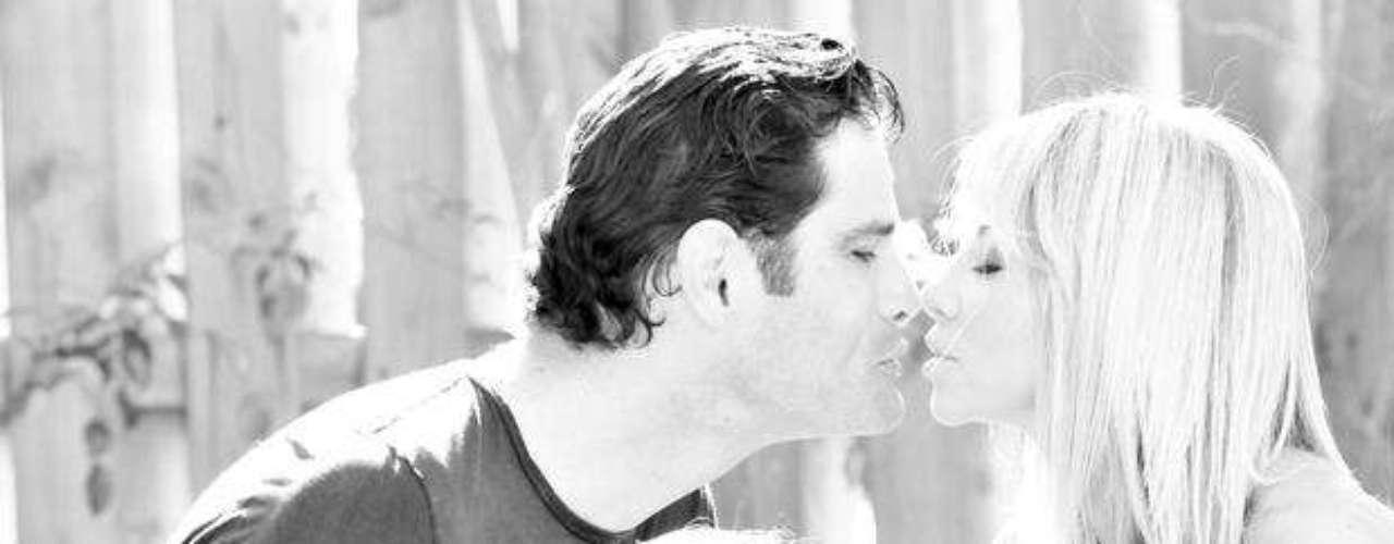 Roxana García, la popular locutora de la estación de Univisón Radio 107.5 en Miami se confiesa una mamá consentidora y muy entregada... ah, además de orgullosa, por lo que ha decidido contar en exclusiva para Terra.com detalles de su experiencia en el mejor trabajo de su vida: el ser la amiga, guía y ángel guardían de sus dos hermosos retoños