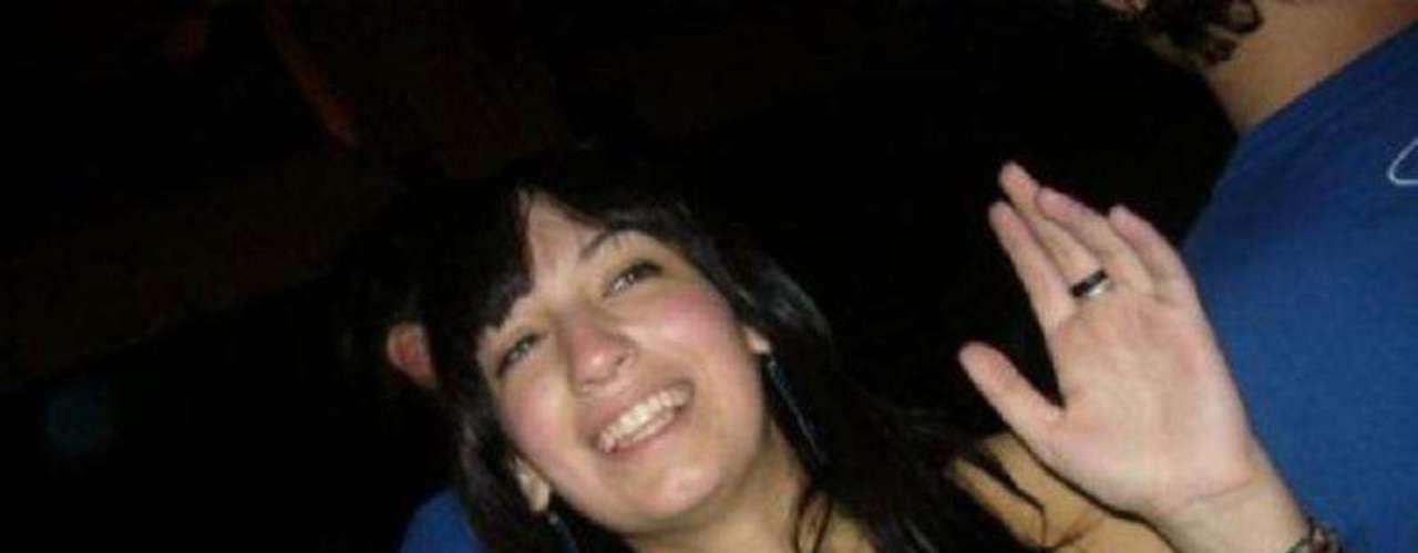 Soledad Bargna fue violada y asesinada en su departamento el 22 de mayo de 2009. Un ex convicto que tenía una condena por abuso sexual fue el autor del crimen, en una de sus salidas transitorias del penal donde cumplía su condena. El acusado confesó el crimen y fue condenado a perpetua.