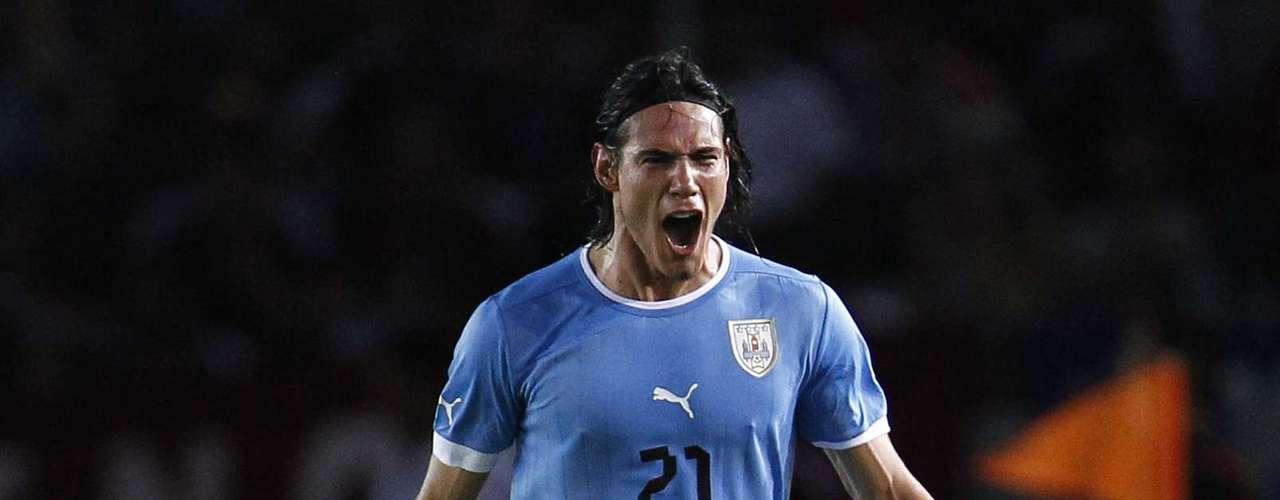 Edinson Cavani (Delantero-Uruguay): Está en su mejor momento como artillero, como lo demostró al terminar como máximo goleador de la Serie A italiana con 29 goles. Además, viene de anotar en la victoria uruguaya sobre Venezuela en las eliminatorias mundialistas.