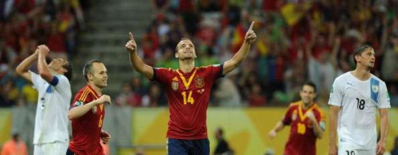 Soldado celebra el segundo gol.