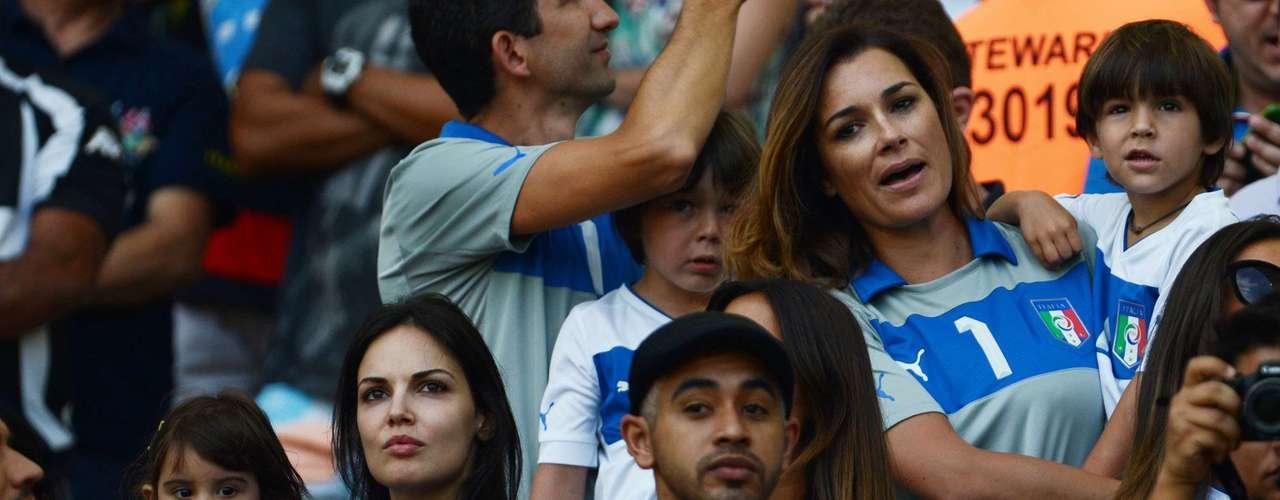 Los italianos fueron animados por los gritos de olé de los asistentes.
